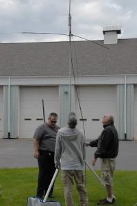 KA3YCB, W3TM and KB3WBT check out W3BC's portable antenna
